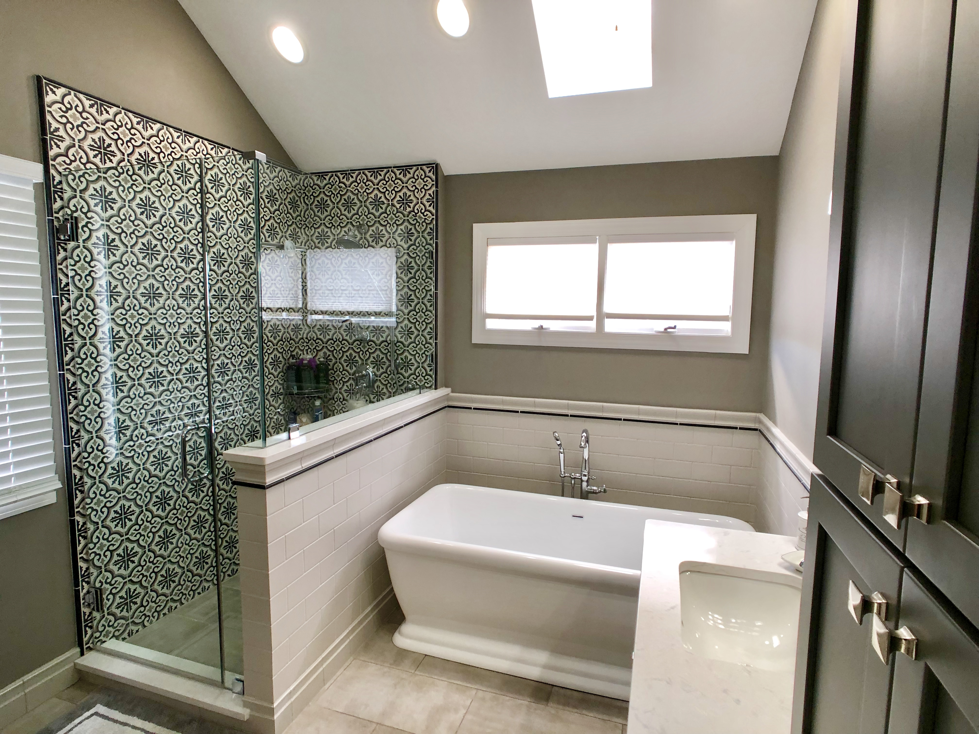 Amazing bathroom remodel in Downers Grove, IL